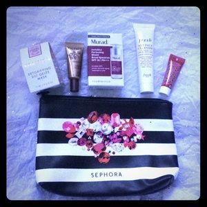 5-Piece High-End Skincare Set & Sephora Bag!